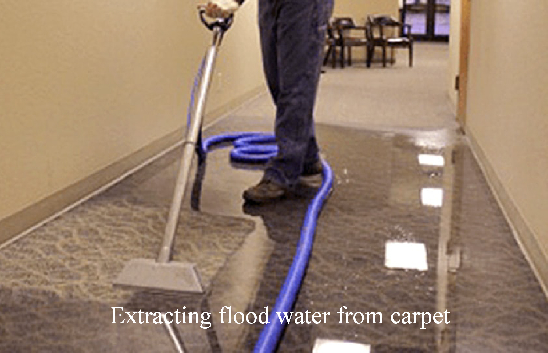 how to remove flood water from carpet